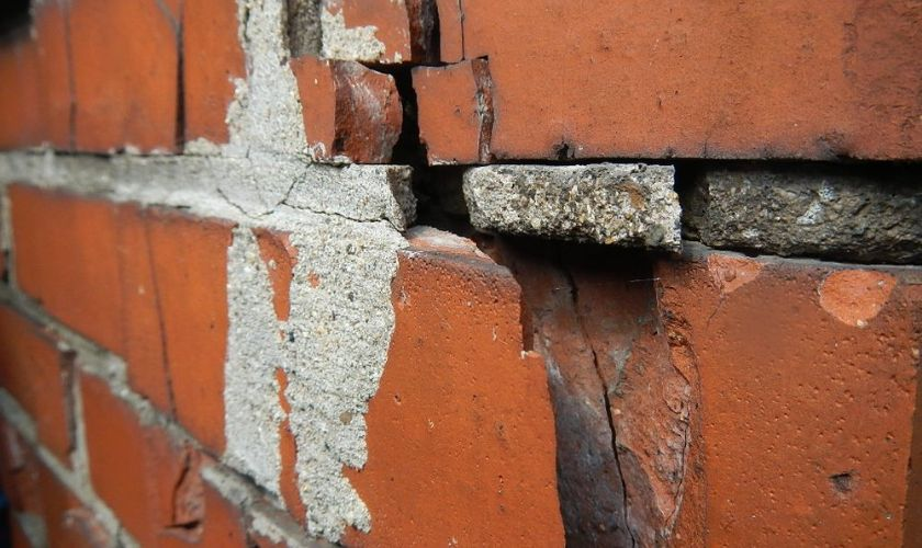 Damage Before Tuckpointing Repair